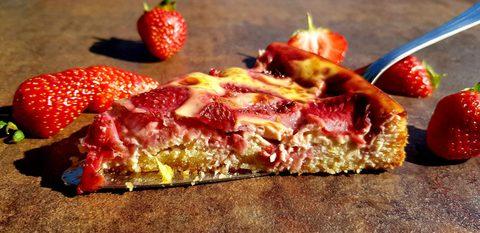 Erdbeer-Pie mit Rahmguss