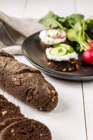 Low Carb Walnuss Baguette - glutenfrei und unglaublich saftig!