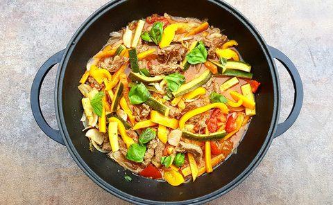 Steak im Wok mit viel Gemüse