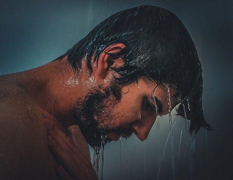 Achtsamkeit im Alltag dusche