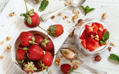 Chia pudding Strawberry parfait (c) by katrinshine licensed via envato