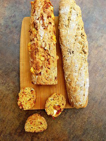 Tomaten-und Mehrkorn-Baguette