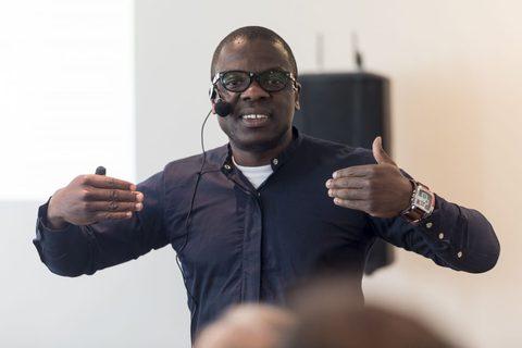 DG043: Was wenn unsere Gene keinen so grossen Einfluss hätten? – Interview mit Dr. Akuma Saningong