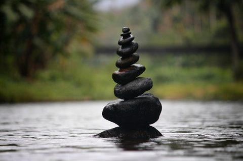 Stoffwechselerkrankungen vorbeugen - Steine in Balance