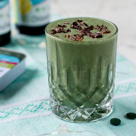 Grüner Kaffee Shake mit Chlorella & Spirulina + alles was du über das Superfood aus dem Wasser wissen musst feat. GSE