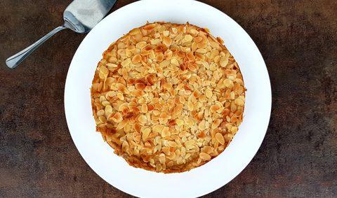 Saftiger Apfelkuchen mit Pudding