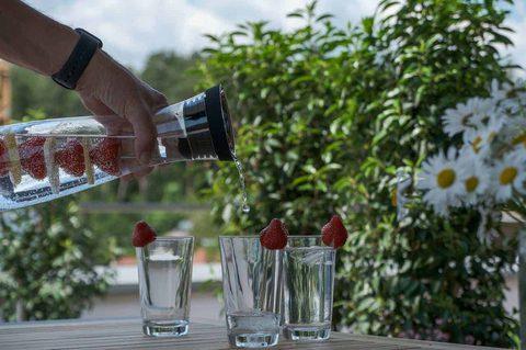 Einfache Tipps zum Abnehmen_Wasser