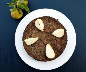 Kokos-Mohnkuchen mit Birnen