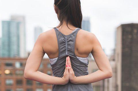 Meditation - Frau beim Meditiren