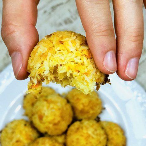 Unsere AIP-Kokos-Karotten-Makronen sind im Handumdrehen zubereitet und schmecken garantiert auch deinen Freunden.
