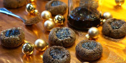 schokoladige Engelsaugen mit selbst gemachter Schwarzkirschmarmelade
