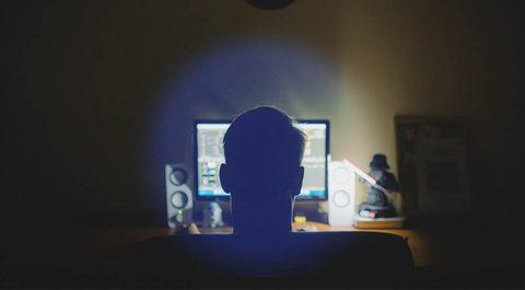 Grund für Schlafstörungen ist blaues Licht