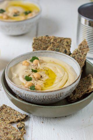 Wie du perfekten Hummus in fünf Minuten selber machst - Rezept